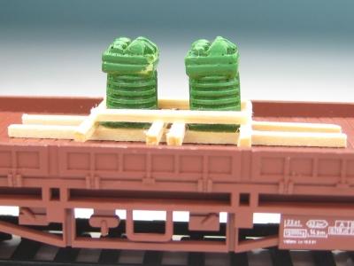 DUHA 11330 A - 2 Zylinderköpfe auf Holzgestell