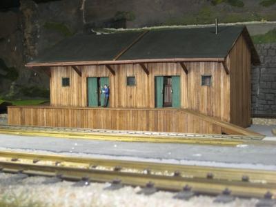 44990 G - Güterabfertigung / Lagerhalle grün (Spur 0)