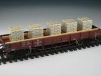 DUHA 11439 - 5 Zementsack-Stapel in Folie im Holzrahmen (Spur H0)