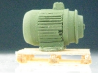 DUHA 11232 - Elektromotor auf Holzpalette (Spur H0)
