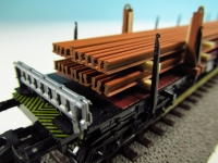 DUHA 11564 - rostige Schienen auf Holzträgern