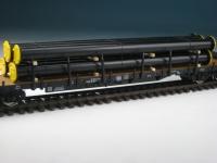 DUHA 11548 A - schwarze Rohre auf Holzträgern (Spur H0)