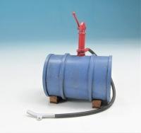 59600 F - Liegendes Ölfass mit Pumpe im Maßstab 1:22,5