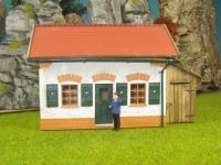 44916 - Bahnwärterhaus mit Beleuchtung und Holzanbau