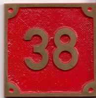 Schild aus Messingguss 60 x 60 mm, mit Nummer 38