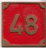 Schild aus Messingguss 60 x 60 mm, mit Nummer 48